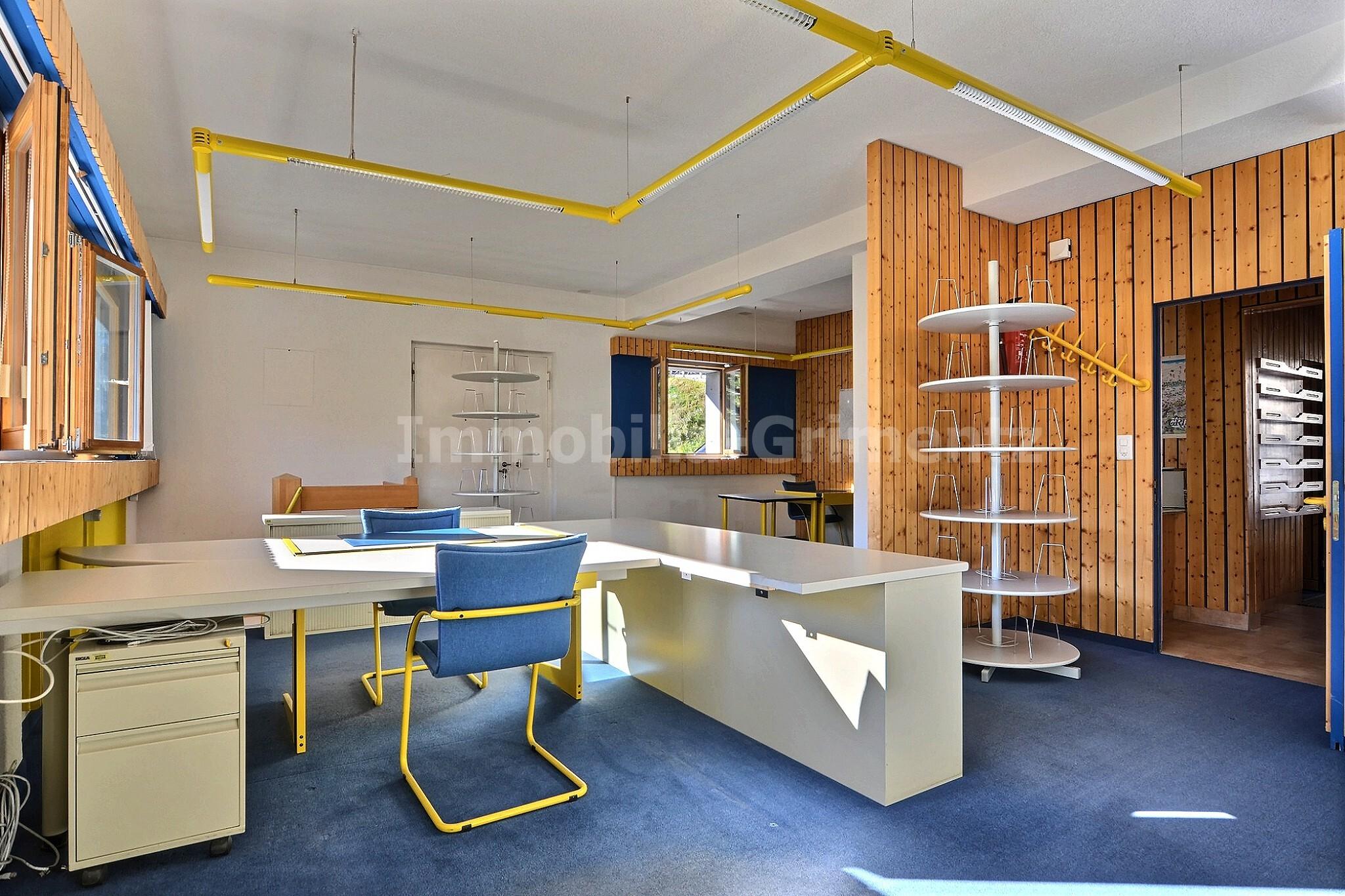 3_office_11